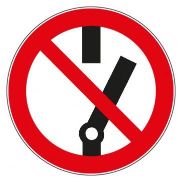 Verbotsschild Schalten verboten