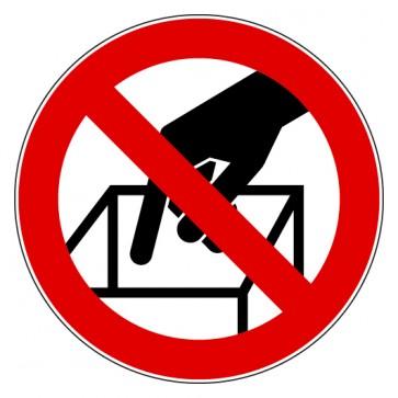 Verbotsschild In die Schüttung greifen verboten