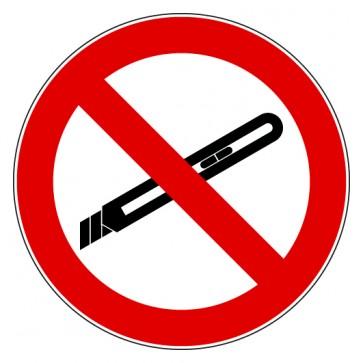 Verbotsschild Benutzen von Cuttern verboten