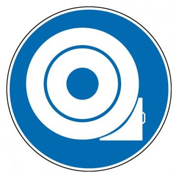 Gebotsschild Reifen gegen Wegrollen sichern