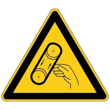 Aufkleber Warnung vor Bandeinzug