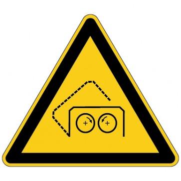 Warnschild Warnung vor automatischer Schutzhaube